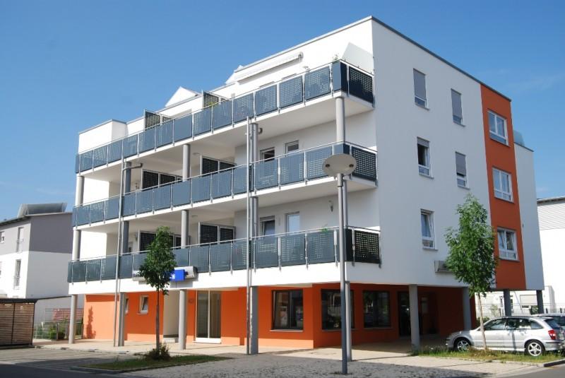 Musterstraße 12 - 12345 Musterstadt